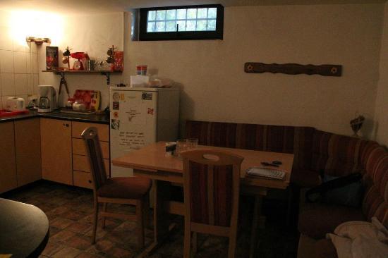 Friends Hostel: Kitchen