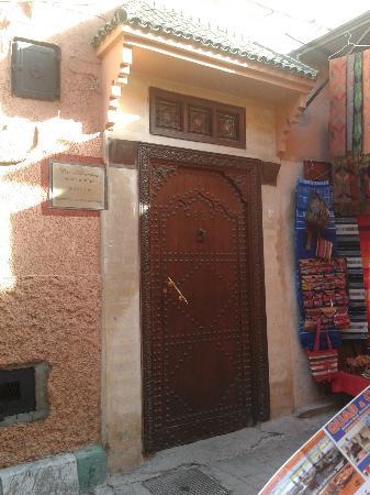 Dar Alhambra: Front door