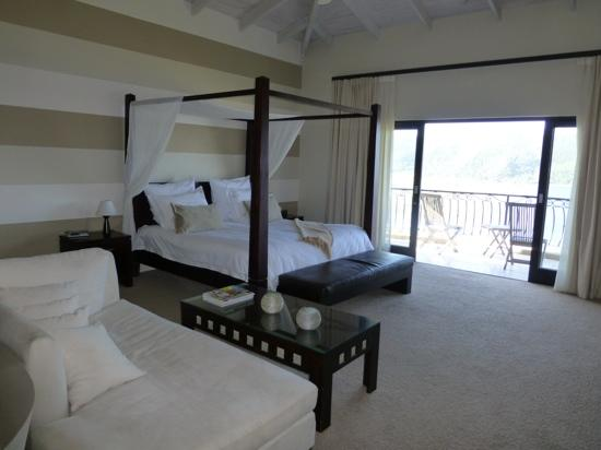 Lodge On The Lake & Wellness Spa: Honeymoon room