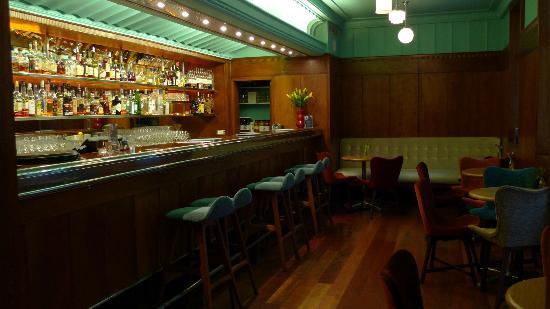 Hotel DeBrett: Bar