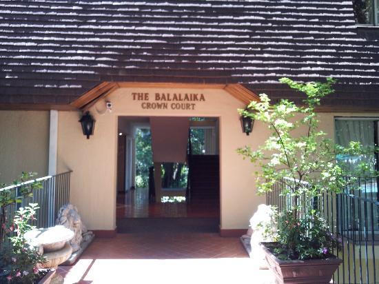 Protea Hotel Balalaika Sandton: Exterior of building