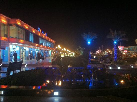 Coral Sea Aqua Club Resort : Duty Free at Soho, can only buy within 48hrs arrival with passport