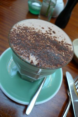Hotel DeBrett: Cappuccino served during breakfast