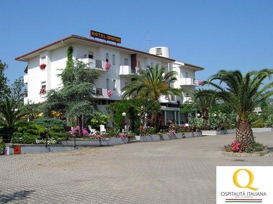 Hotel Sporting: vista hotel