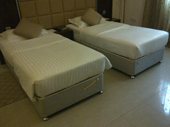 Rainbow Hotel: Room 107
