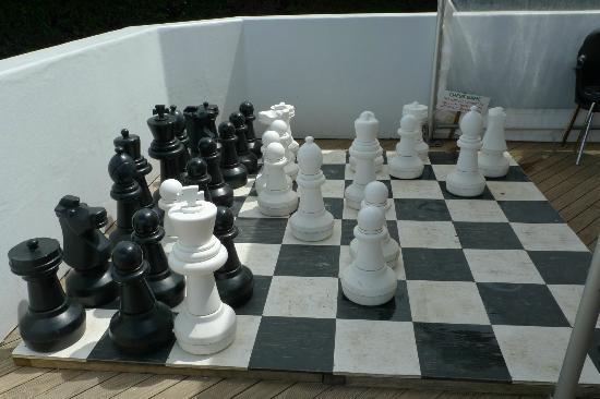 جزيرة واهيكي, نيوزيلندا: Giant chess set