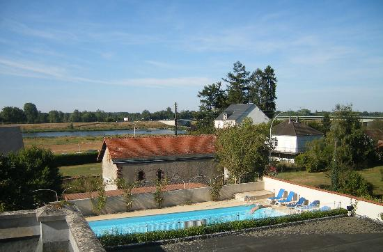 L'Hostellerie du Chateau: Part of the panoramic view of the Loire