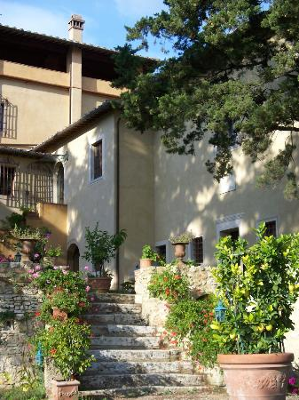 Torraccia di Chiusi: Architettura e giardino