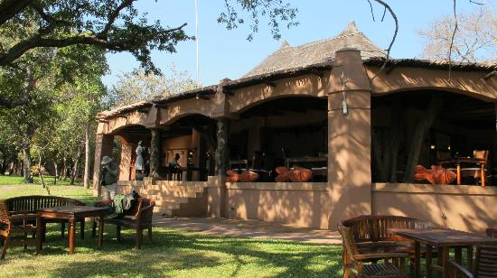 Sanctuary Chobe Chilwero: the lodge