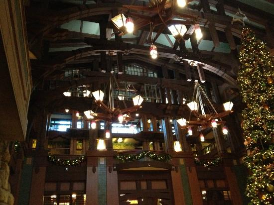 Disney's Grand Californian Hotel & Spa: lobby architecture