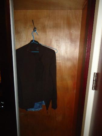 Manhattan Jinling Hotel: Closet