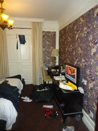 Manhattan Jinling Hotel: Small room