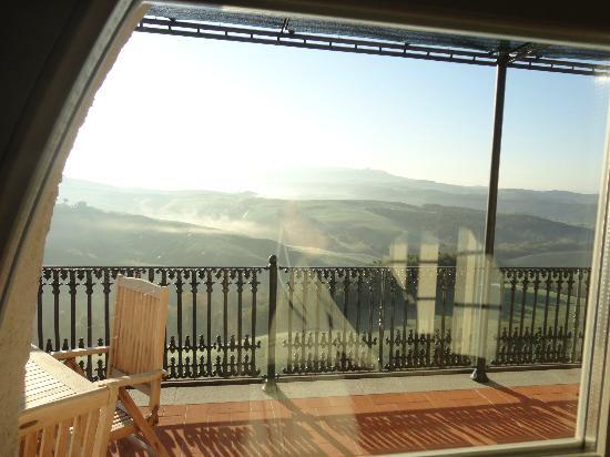 Vicarello Di Volterra: Alba vista dalla camera