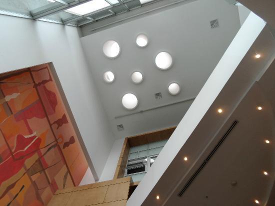 Mercure Santiago Centro: Teto do lobby