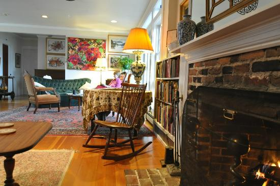 Brookhill Bed and Breakfast: Multiple seating areas