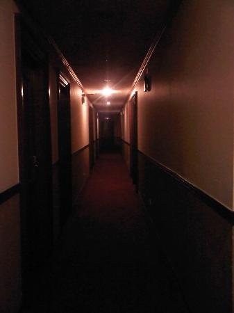 RK Hotel Subic: Hallway
