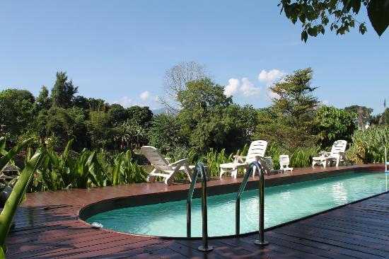 Villa San Pee-Seua: Zwembad