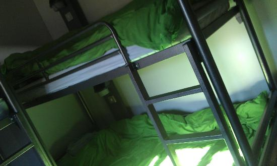 YHA Beverley Friary: the 3 bunk dorm