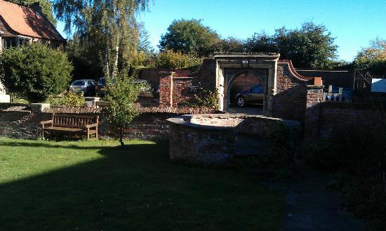 YHA Beverley Friary: The garden