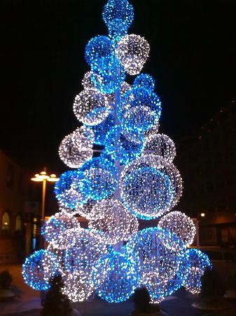 Andorra la Vella, Andorra: Iluminação de Natal no centro