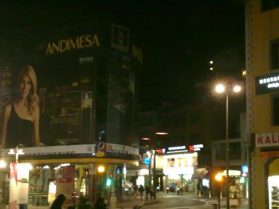 Andorra la Vella, Andorra: Outra rua