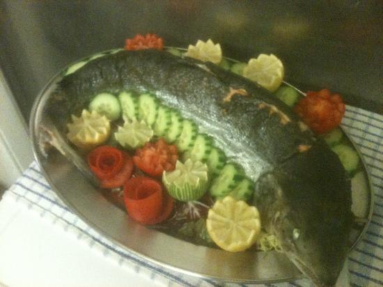 Amici Ristorante: Whole Scottish salmon from 16th on november