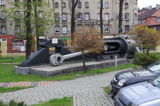 Guido Mine: Park przed wejściem