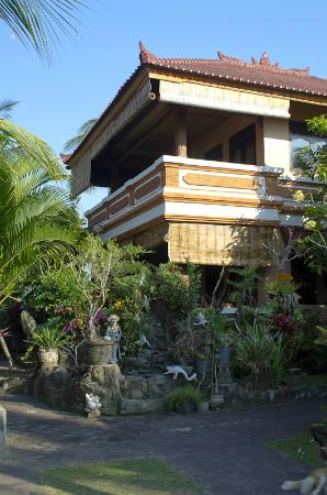 Kubu Balian Beach Bungalows: One of the bungalows