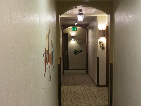 Table Mountain Inn: Guest Rooms Corridor