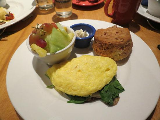 Table Mountain Inn: Omelet