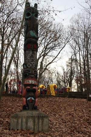 Cabin John Regional Park: The totem pole that greets visitors