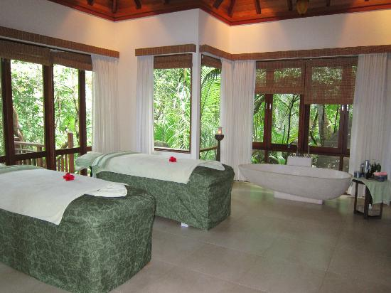 Hilton Seychelles Labriz Resort & Spa: Spa treatment room