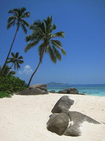 Hilton Seychelles Labriz Resort & Spa: Another beautiful beach view