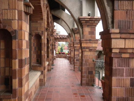 The Mission Inn Hotel and Spa: Right outside our front door