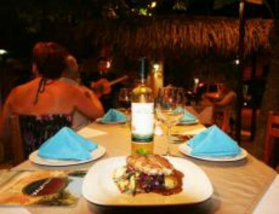 Tierra Viva : Restaurant table