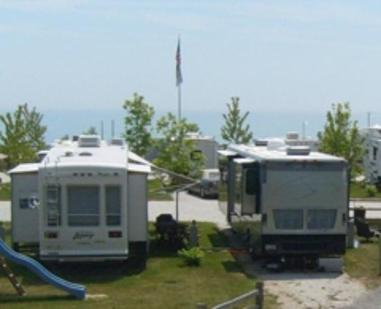 Village Inn on the Lake: RV Park