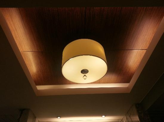 The Sands Macao: Nice designer lightings in bathroom