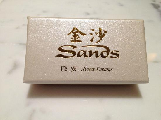 The Sands Macao: Thank you chocolate from Hotel on the last day