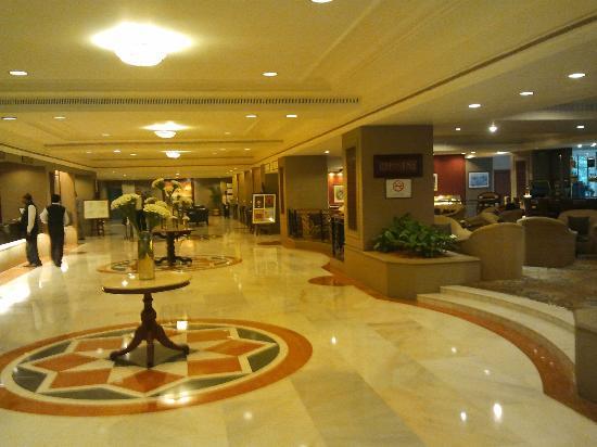 Taj Banjara Hyderabad: Lobby