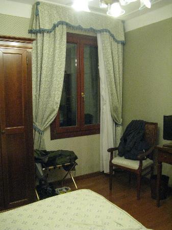 Hotel Ca' d'Oro: finestra
