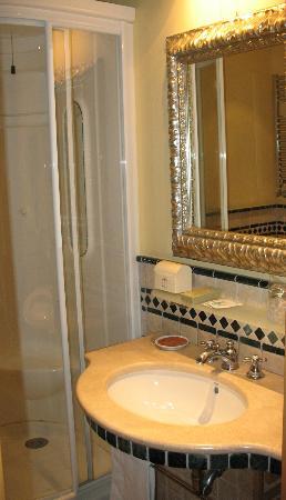 Hotel Tritone : sala da bagno