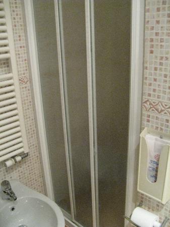 Hotel Ca' d'Oro: doccia