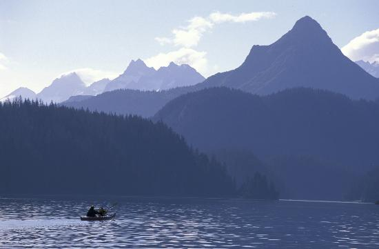 Kachemak Bay Wilderness Lodge: Kayaking with Poot Peak