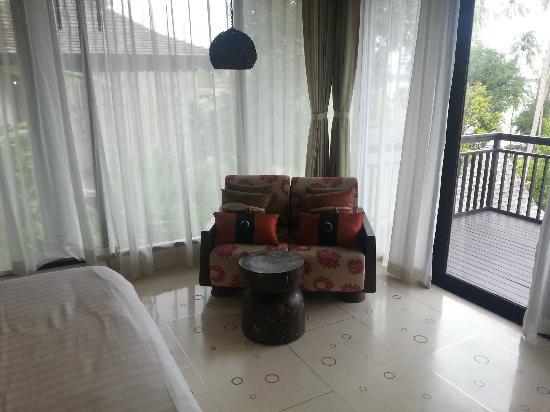 The Vijitt Resort Phuket: sofa