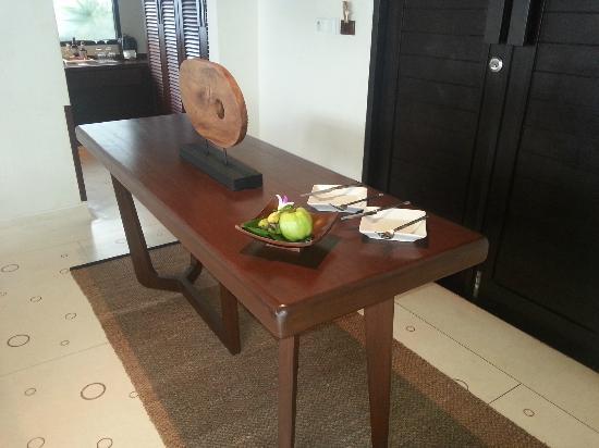 The Vijitt Resort Phuket: table