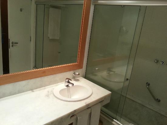 Porto Bay Rio Internacional Hotel: bathroom