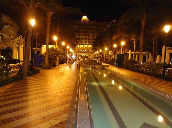 ClubHotel RIU Jalisco: Area de albercas