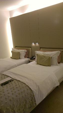 Design Hotel Josef Prague: Good reading lights by the beds