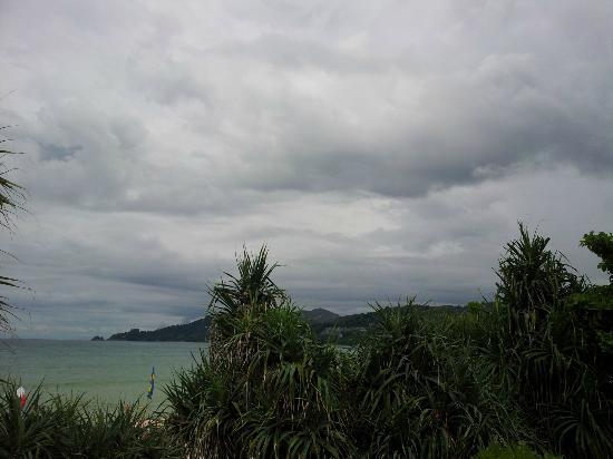 Patong Bay Garden Resort: View from balcony