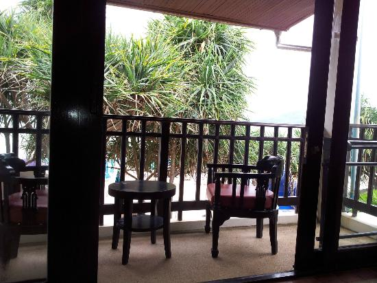 Patong Bay Garden Resort : view of balcony
